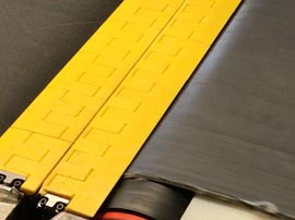 Segmented Transfer Plates Close Gap for Midwest Parcel Facility